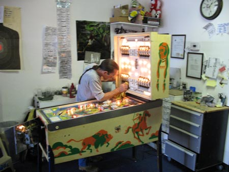 Grizzled Old Proprietor of Pinball Hall of Fame